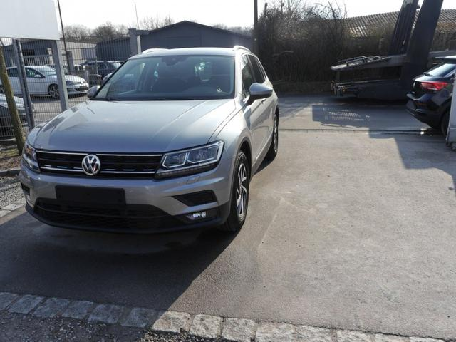 Gebrauchtfahrzeug Volkswagen Tiguan - 1.4 TSI ACT SOUND   BMT BUSINESS PREMIUM-PAKET ACC NAVI LED PDC SHZG