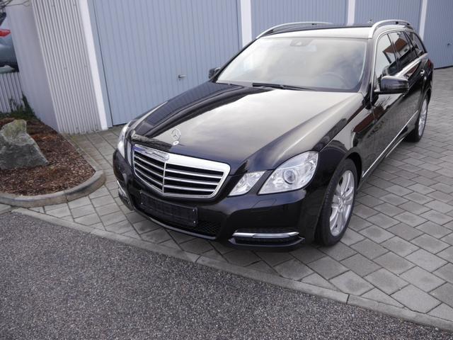 Gebrauchtfahrzeug Mercedes-Benz E-Klasse - E 200 T CGI AVANTGARDE   BE NAVI XENON PARKTRONIC SHZG 17 ZOLL