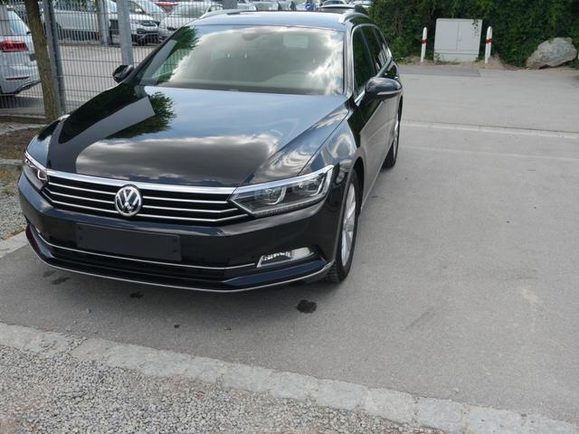 Volkswagen Passat Variant      1.5 TSI DSG HIGHLINE * BUSINESS-PREMIUM ACC LED NAVI KAMERA PARK ASSIST