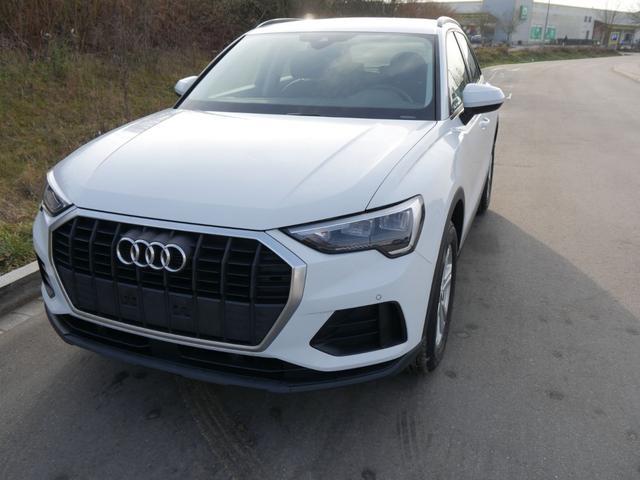 Gebrauchtfahrzeug Audi Q3 - 35 TFSI CoD   LED PARKTRONIC SITZHEIZUNG VIRTUAL COCKPIT 17 ZOLL TEMPOMAT