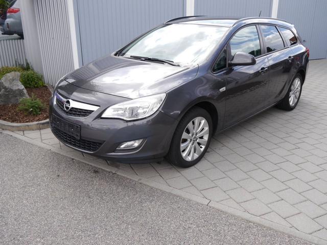 Gebrauchtfahrzeug Opel Astra Sports Tourer - 1.4 STYLE PLUS   TURBO AHK PARKTRONIC SITZHEIZUNG TEMPOMAT