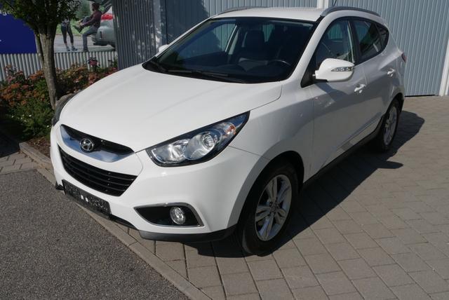 Hyundai ix35      1.6 STYLE * AHK PARKTRONIC SITZHEIZUNG VORN & HINTEN TEMPOMAT LM-FELGEN 17 ZOLL