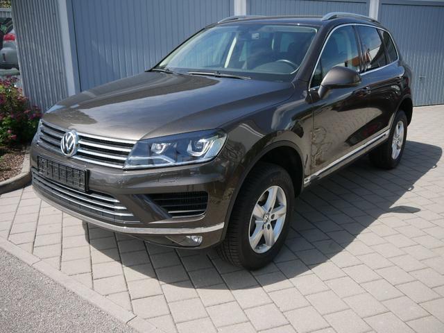Volkswagen Touareg      3.0 V6 TDI DPF 4MOTION * BMT LUFTFEDERUNG LEDER DESIGN-PAKET AHK SHZG VORN & HINTEN