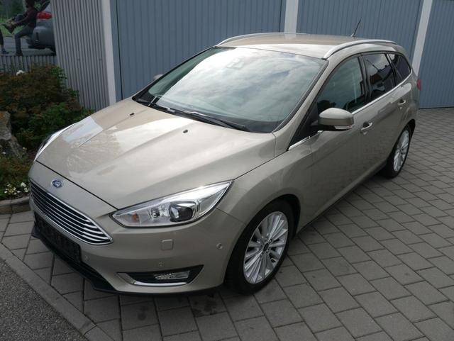Ford Focus Turnier      1.5 16V EcoBoost TITANIUM * AHK WINTERPAKET PARK-ASSISTENT SHZG LENKRADHEIZUNG