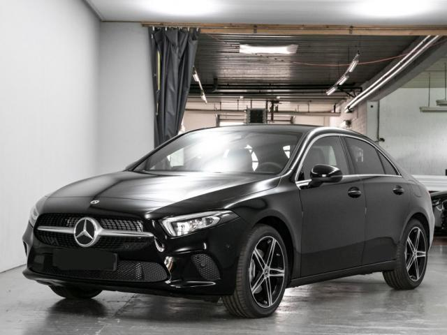Mercedes-Benz A-Klasse A 250 AMG NIGHT+PANO+NAVI+MBUX+AR+KAMERA+KEYLESS