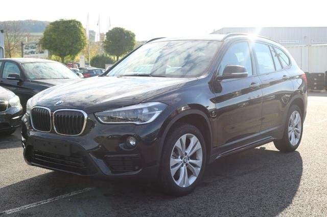 BMW X1 sDrive18d Sport Line Autom*LED*Navi*AHK*Kamer