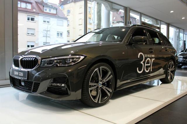BMW 3er - 330i xDrive Touring M Sport PGlasd/M-FW/Komfort