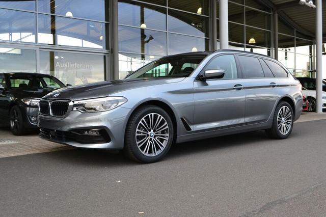 BMW 5er 530i Touring Sport Line neues Navi