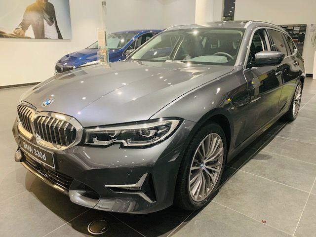 BMW 3er 330d Touring Luxury Line DAB/HarmK/PGlasD