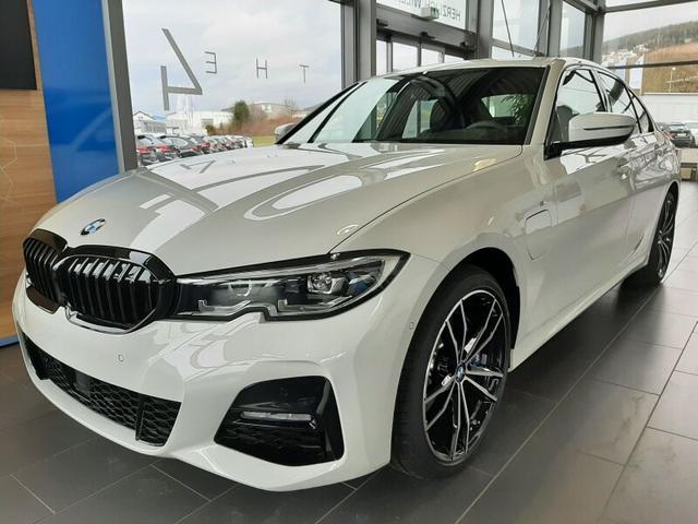 BMW 3er 330e Limousine M Sport sofort lieferbar
