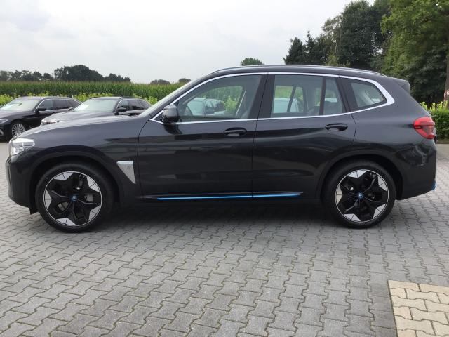 BMW X3 iX3 Impressive HUD Harman/Kardon Sportsitze