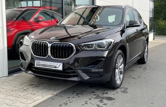 BMW X1 xDrive 25d sport line ParkAss GRA AHK HUD DAB