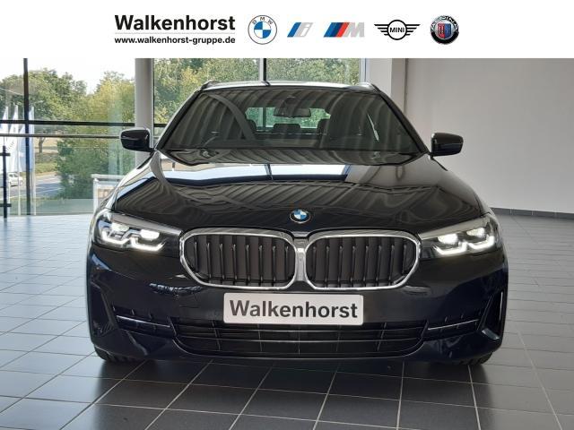 BMW 5er Touring 520 d Park-Assistent Leder LED Navi Keyless Parklenkass. Rückfahrkam.