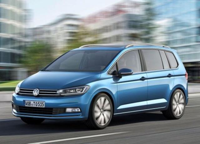 Volkswagen Touran - 1.6 TDI 105 Comfortline Pano SHZ ParkAs
