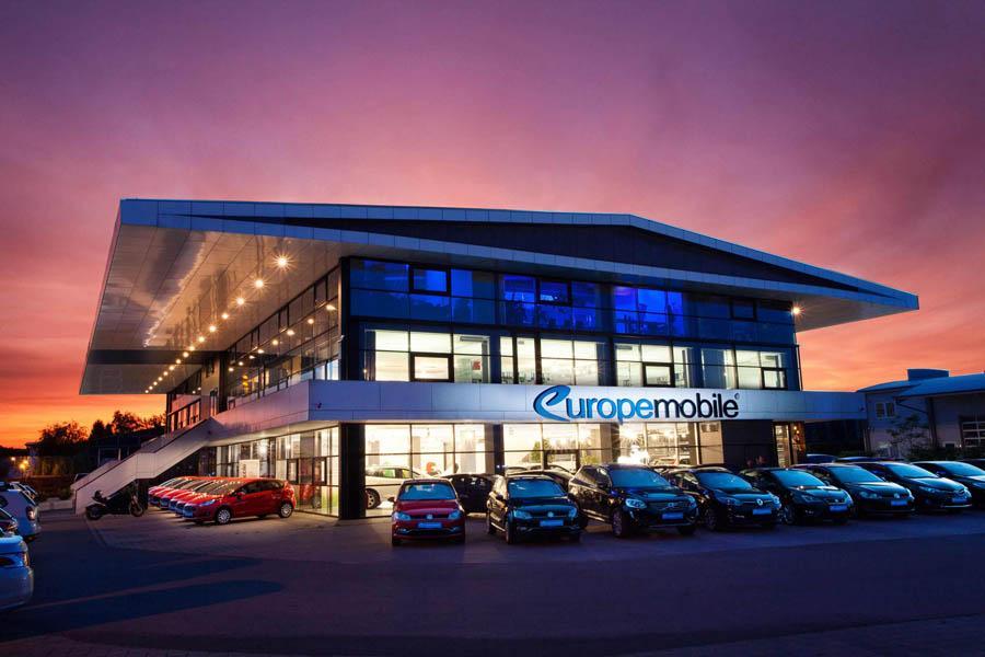 Firmengebäude Europemobile Saaldorf-Surheim bei Sonnenuntergang