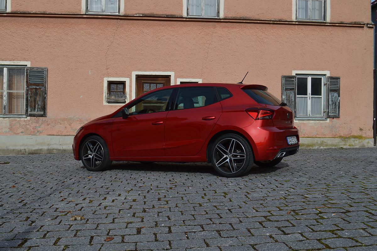 der rote SEAT FR 1.0 TSI