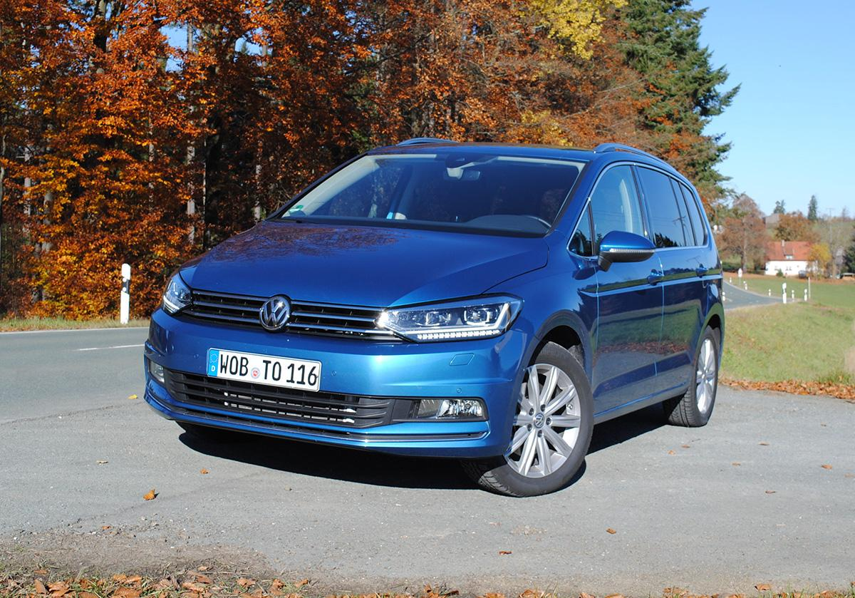 VW Touran 2.0 TDI in der Natur