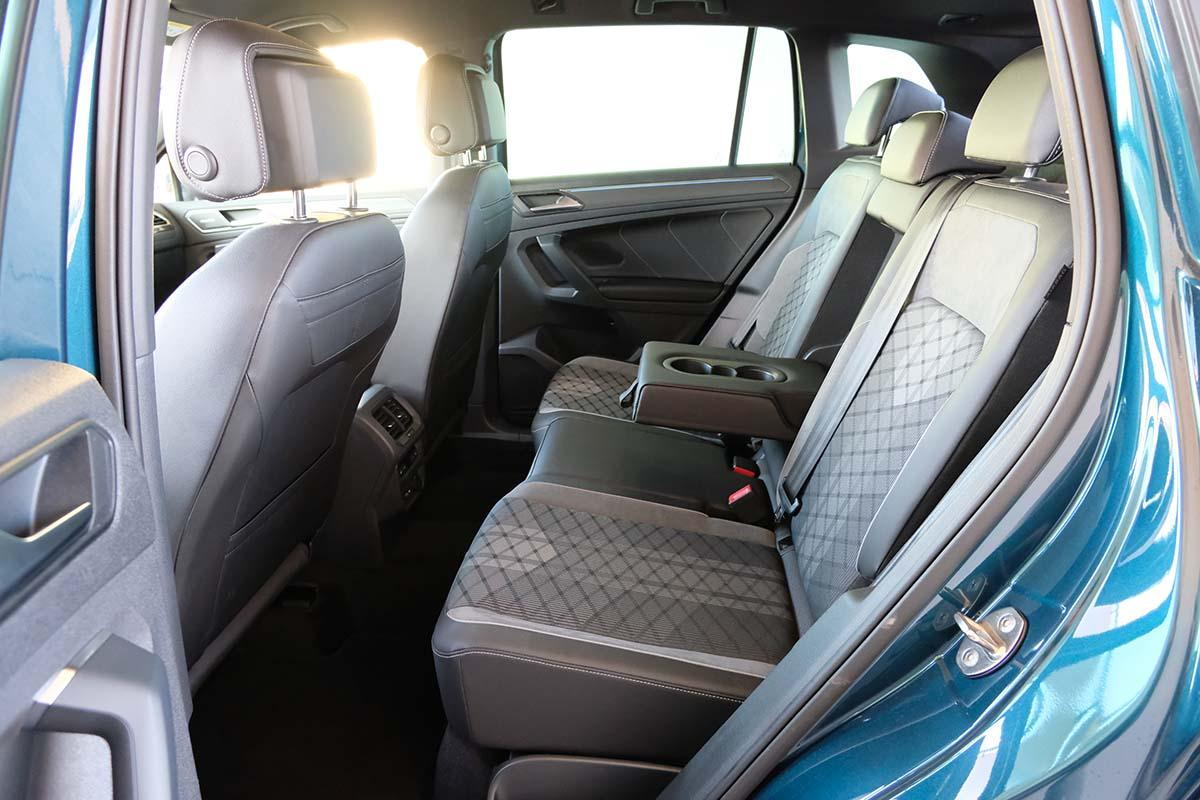 VW Tiguan R-Line 1.5 TSI DSG Interieur Sitze hinten