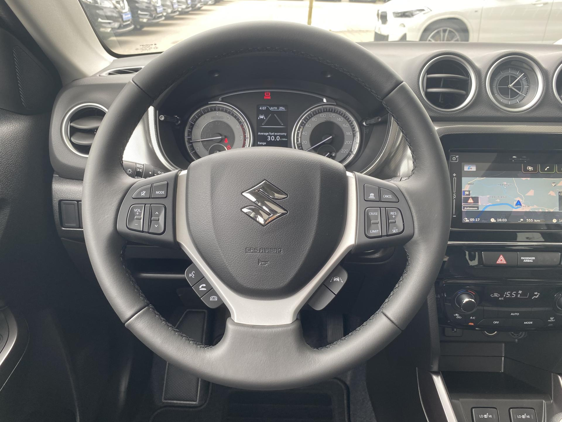Suzuki Vitara 1,4 BOOSTERJET Mild-Hybrid Allgrip Interieur Lenkrad