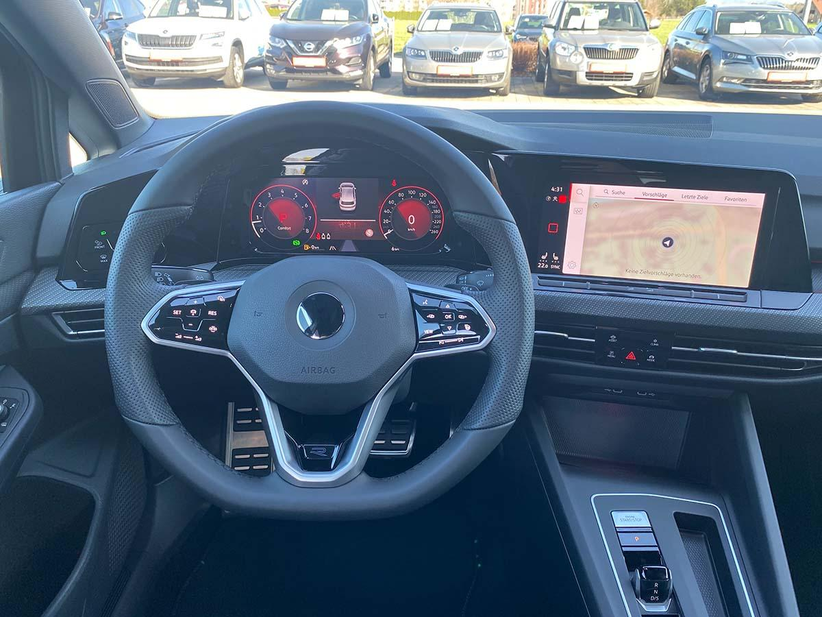 VW Golf 8 1.5 eTSI R-Line Interieur Multimedia Lenkrad