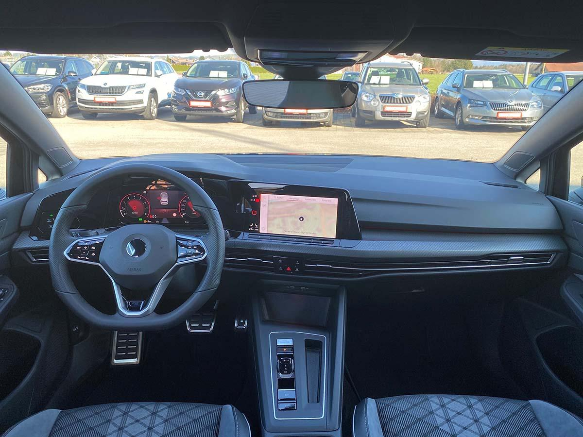 VW Golf 8 1.5 eTSI R-Line Interieur Cockpit Multimedia Lenkrad