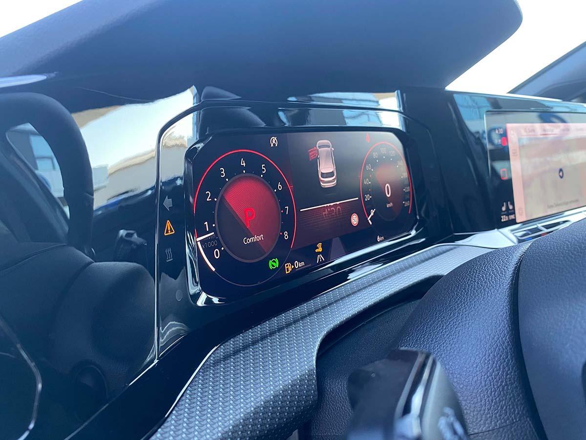 VW Golf 8 1.5 eTSI R-Line Interieur Cockpit