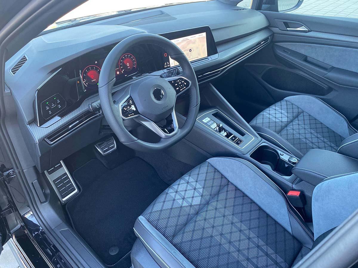 VW Golf 8 1.5 eTSI R-Line Interieur