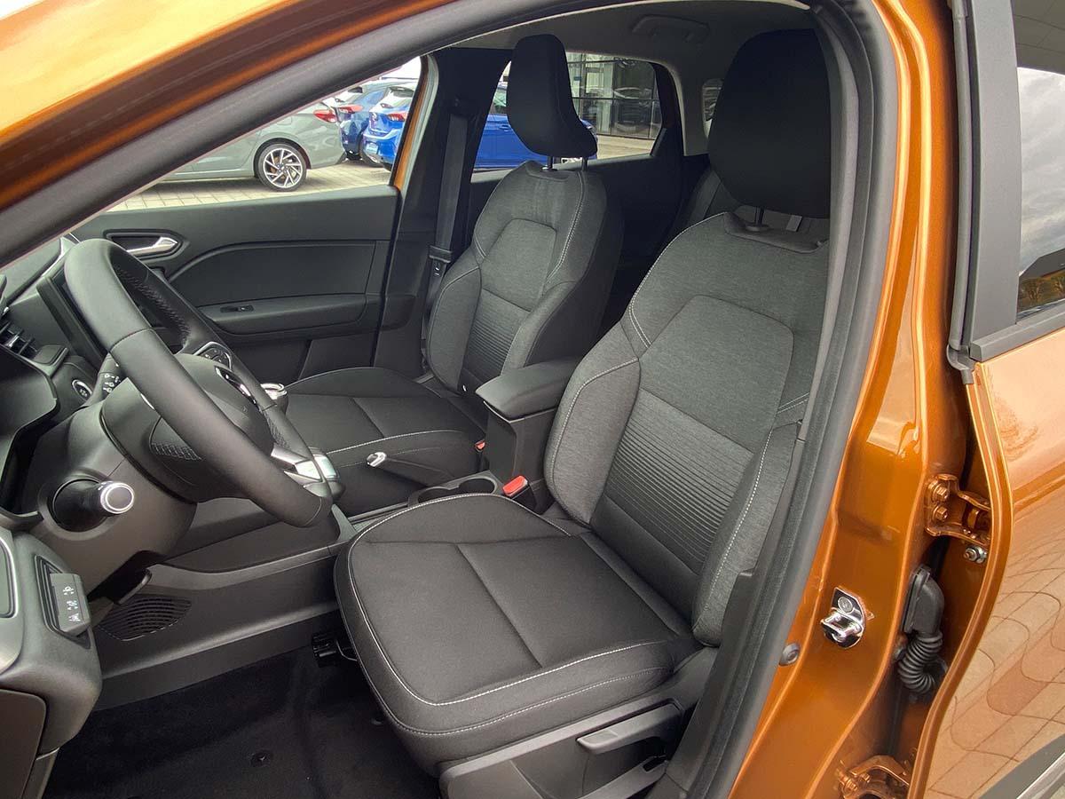 Renault Captur Experience TCe 100 Innenraum Fahrersitz