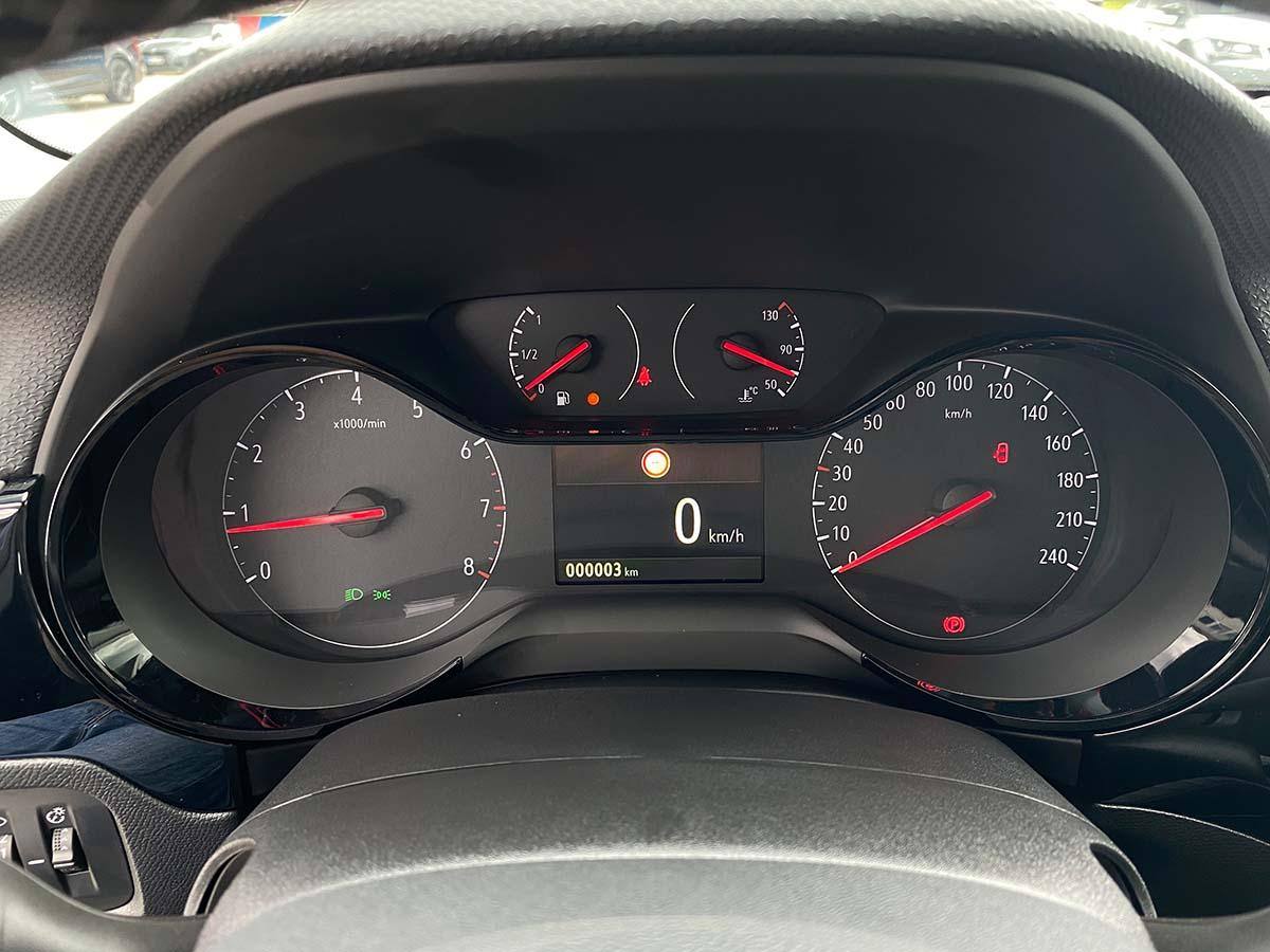 Opel Corsa 1,2 Direct Injection 100 GS-Line Innenraum Cockpit