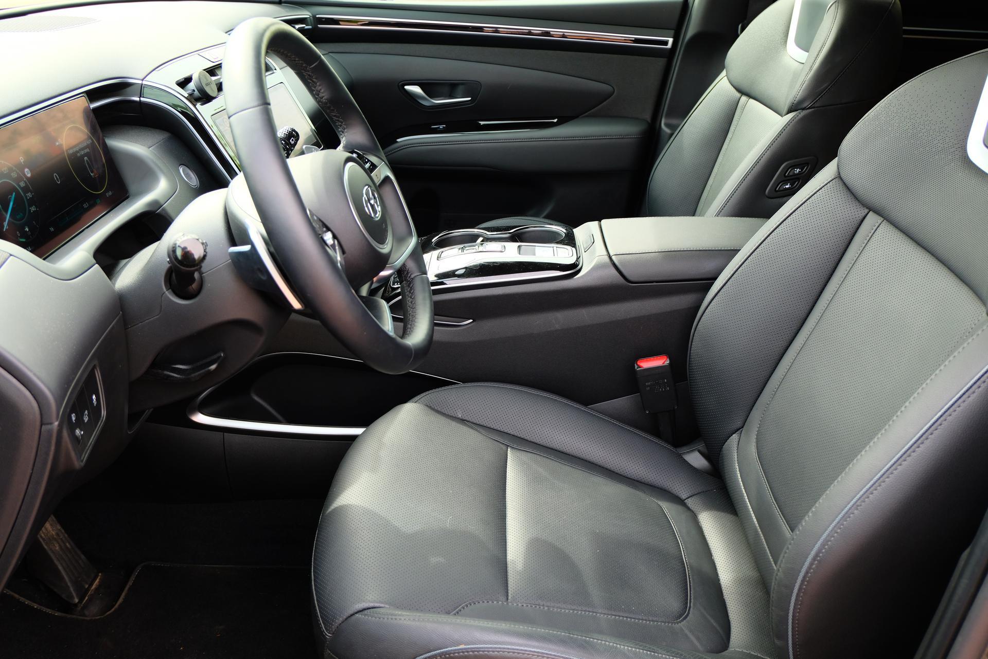 Hyundai Tucson 1.6 T-GDI HEV 4x4 Fahrersitz