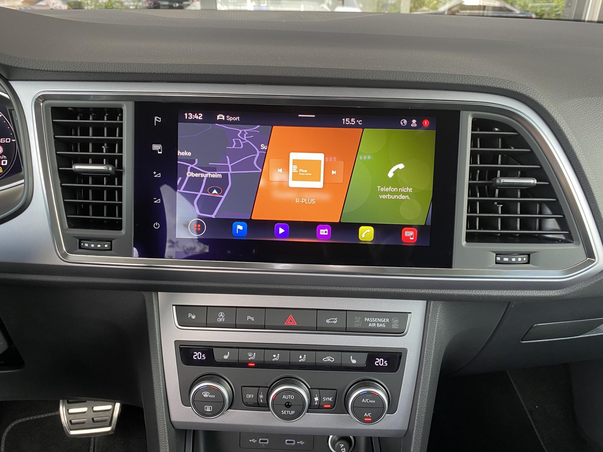 SEAT Ateca FR 1.5 TSI DSG Innenraum Multimedia