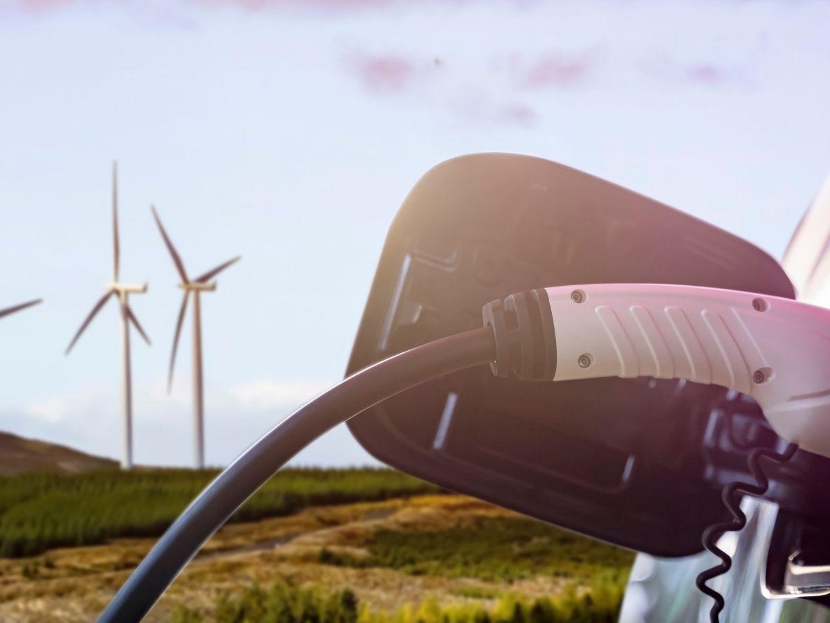 BAFA Förderung für Plug-in Hybrid EU Neuwagen.  Ladestation, Windmühlen