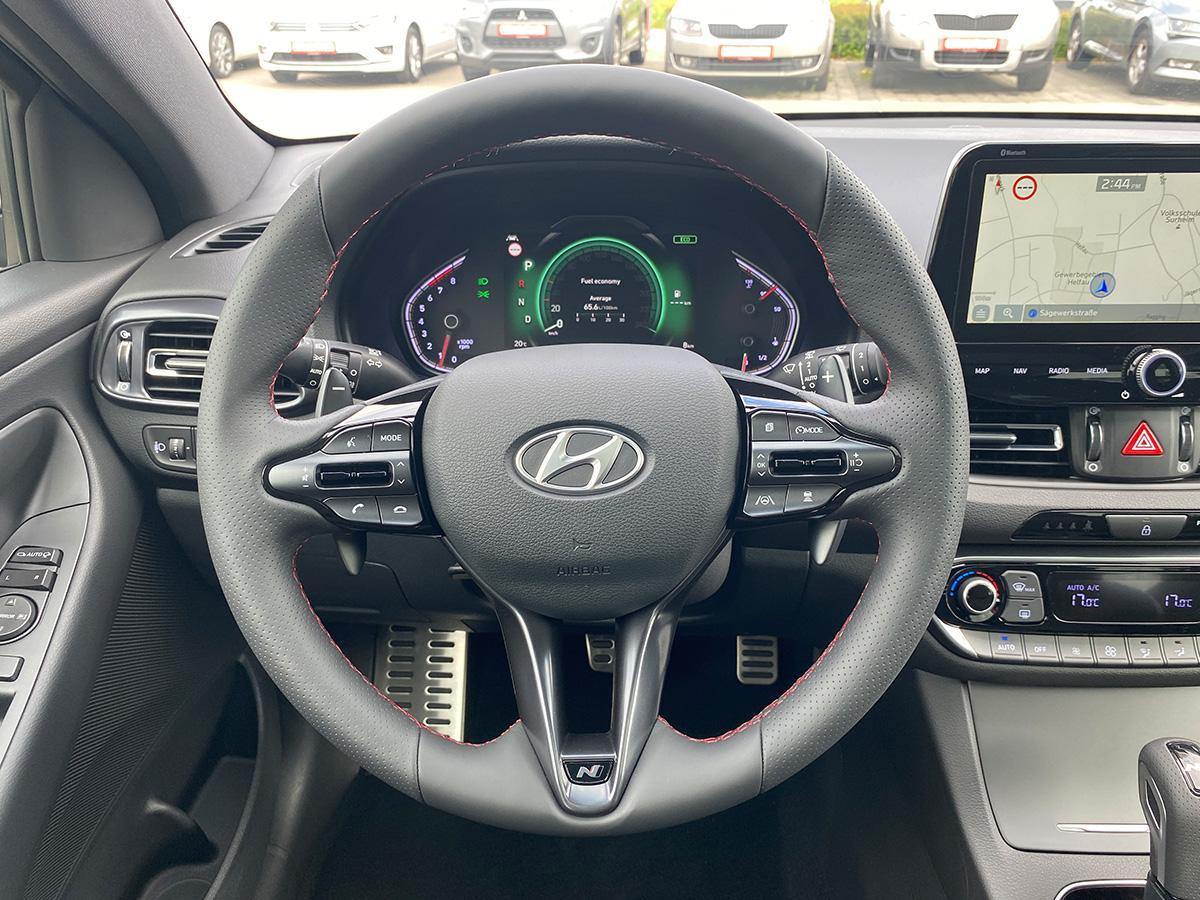Hyundai i30 1.5 T-GDI iMT N Line lenkrad