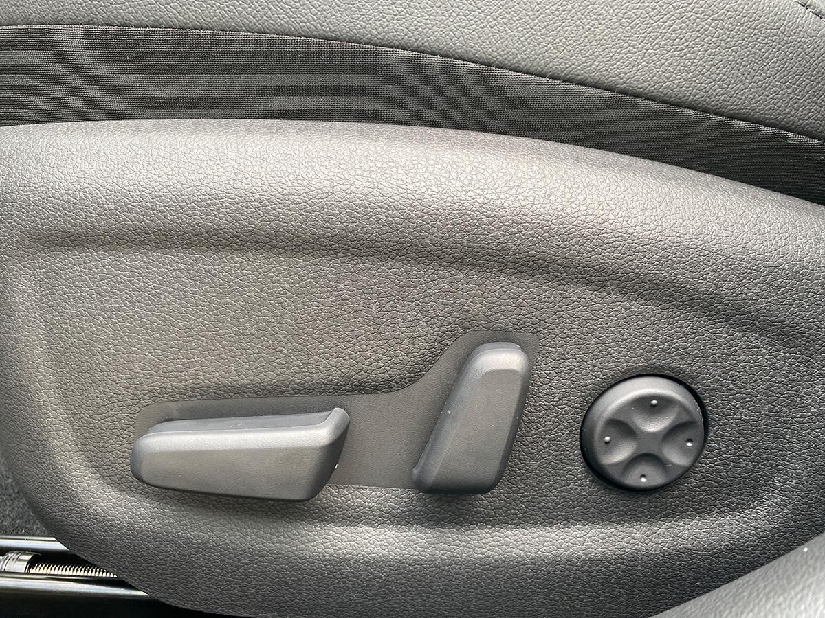 Hyundai i30 1.5 T-GDI iMT N Line sitz