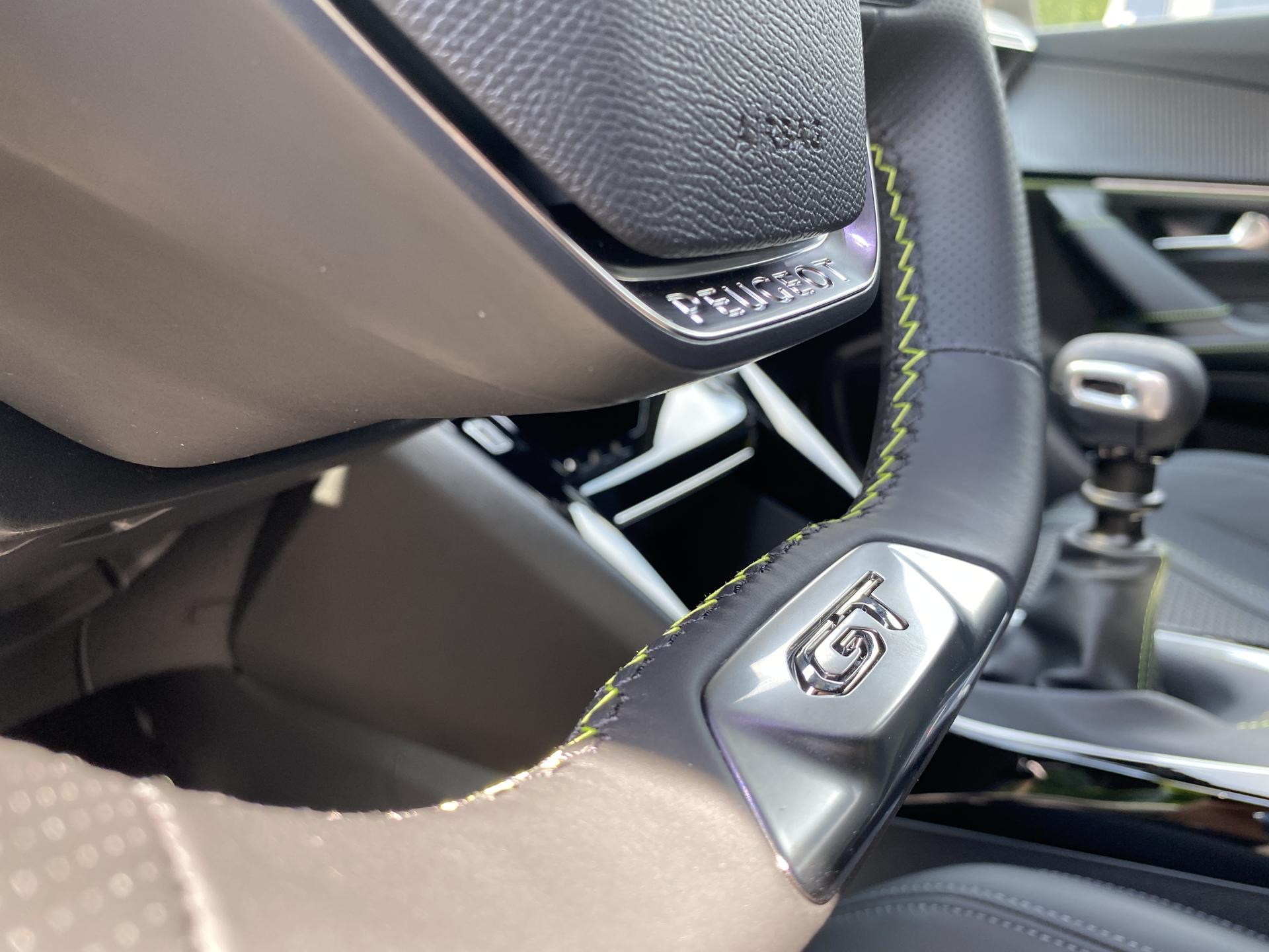Peugeot 2008 GT 1.2 PureTech Lenkrad