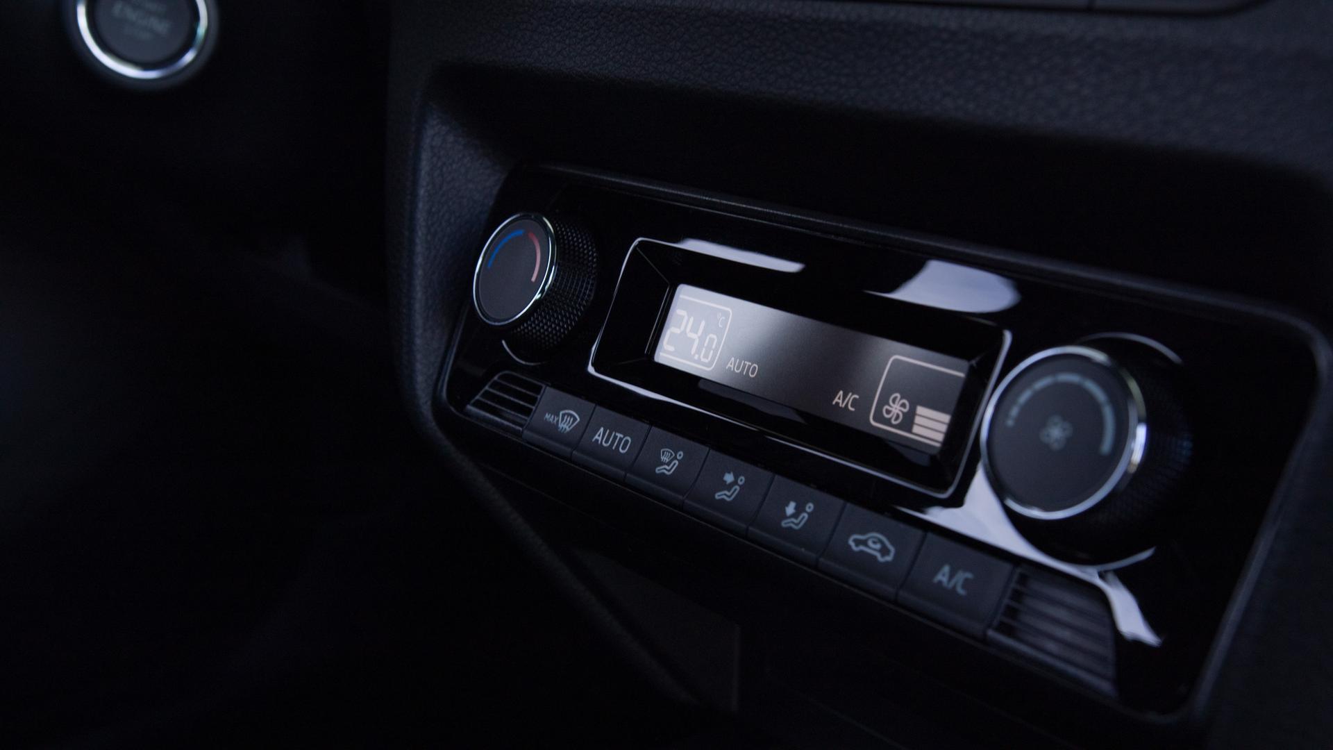 Skoda Fabia Combi 1.0 TSI Scheinwerfer  Innenraum Klimaanlage