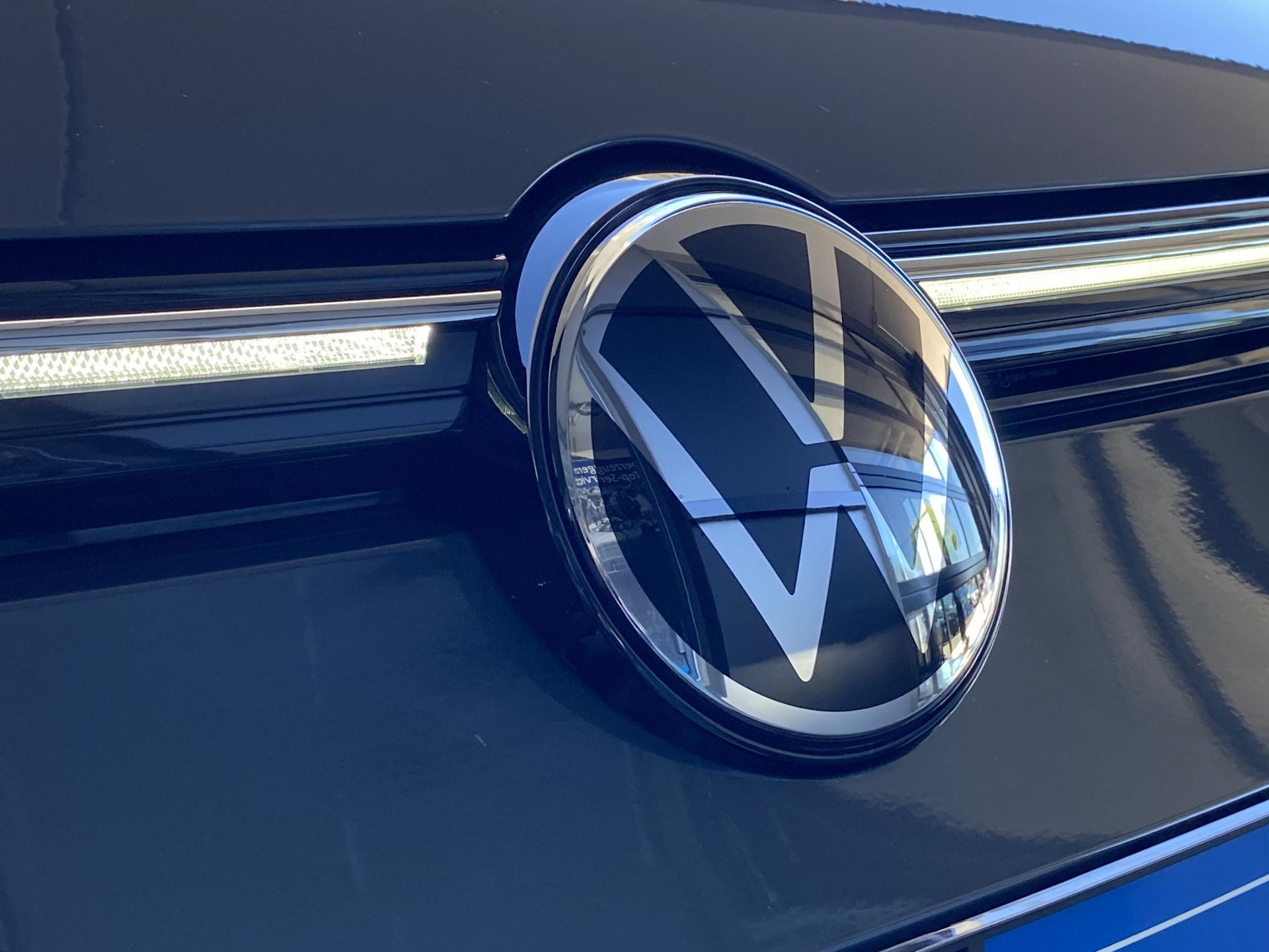 VW Golf Variant Logo