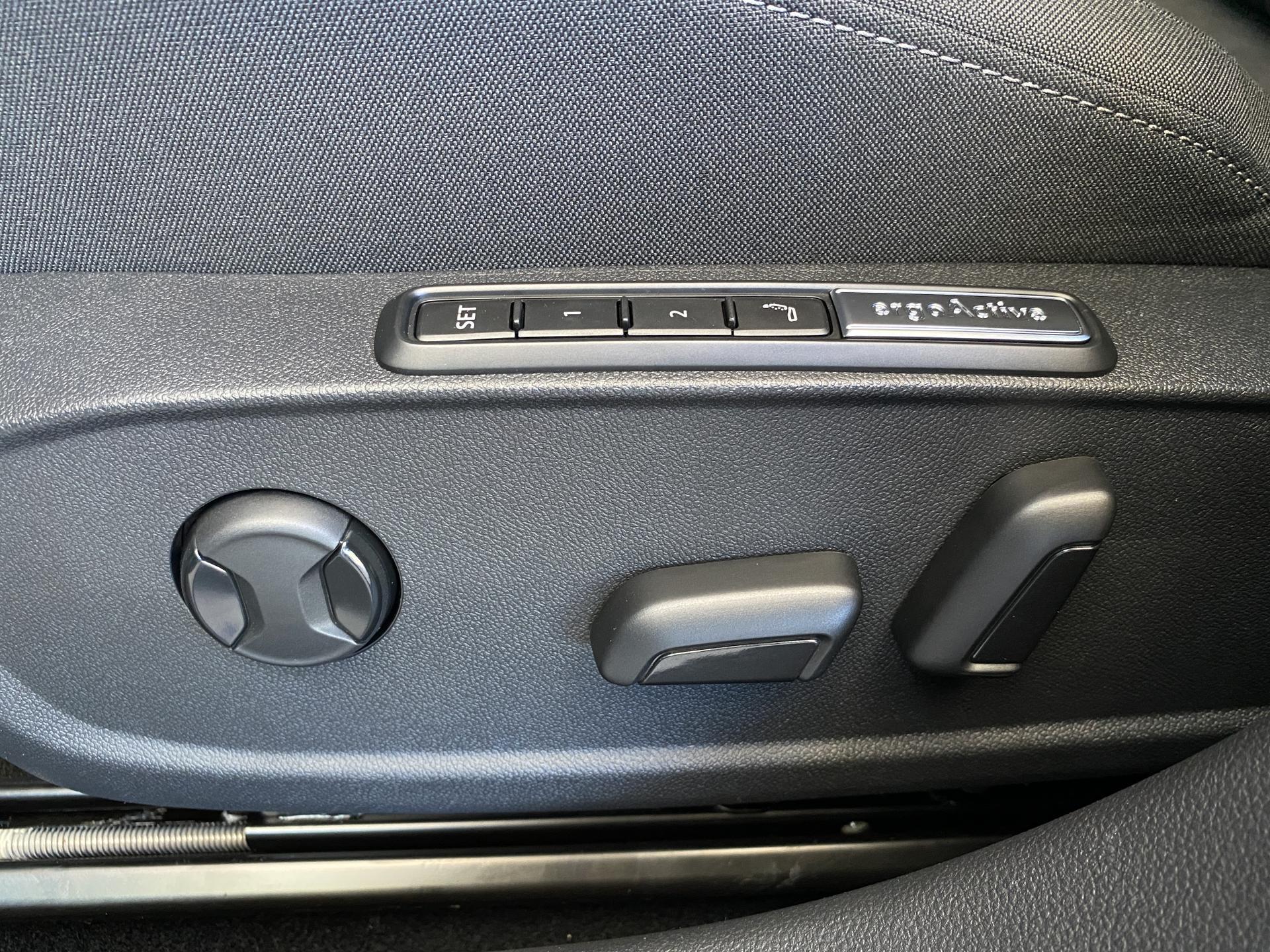 VW Golf Variant Fahrersitz