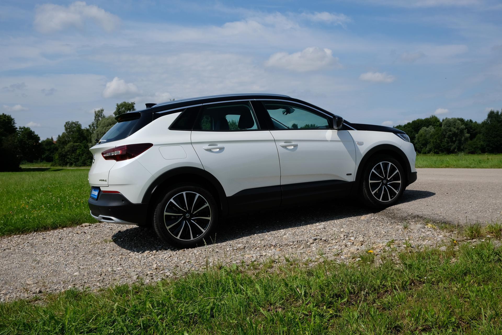 Opel Grandland X Beifahrerseite