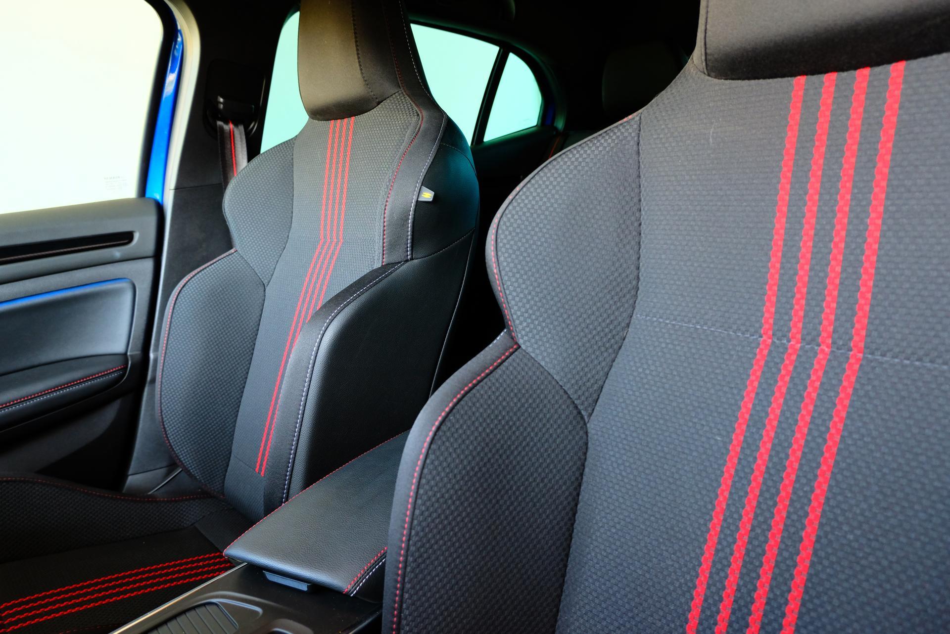 Renault Megane Fahrer- und Beifahrersitze