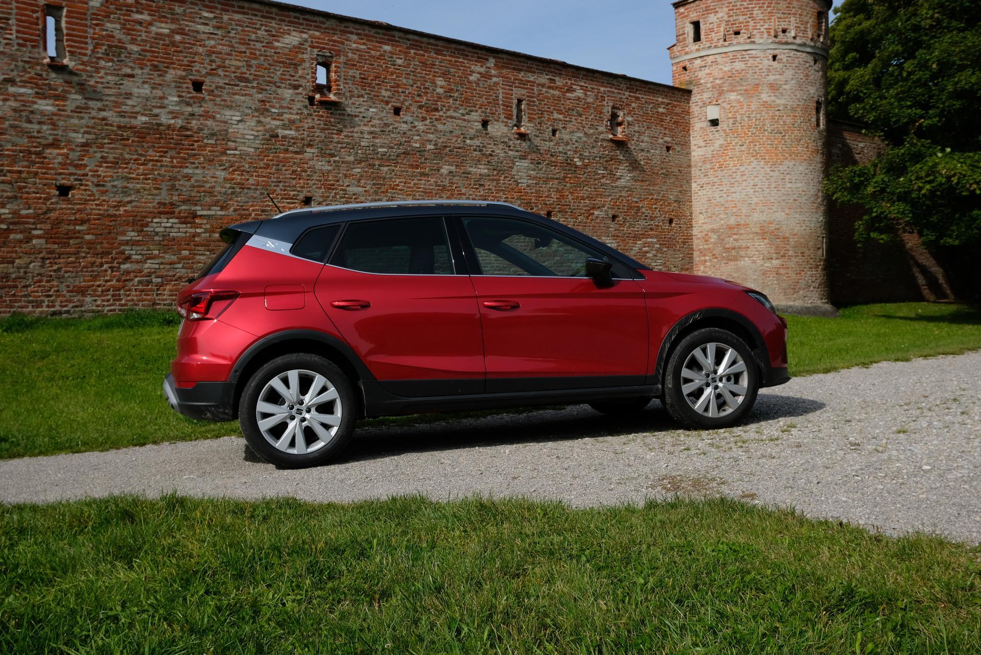 Facelift: SEAT Arona 1.0 TGI Beifahrerseite