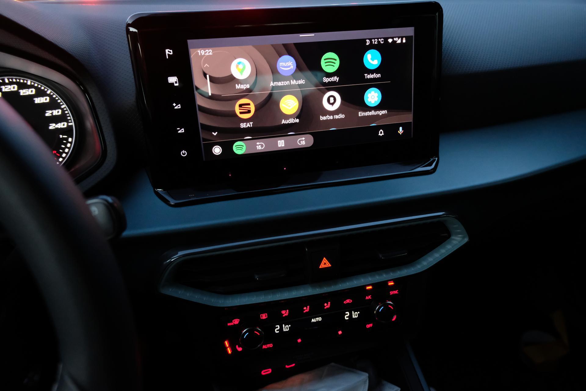 Facelift: SEAT Arona 1.0 TGI Innenraum Interieur