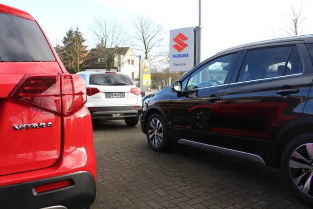 Suzuki Bestellfahrzeuge, in allen Farben und Variationen