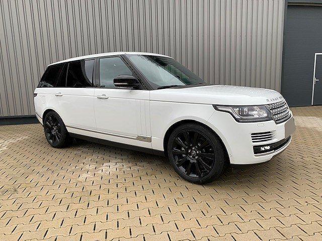 Land Rover Range Rover - LWB SE Business Black Edition