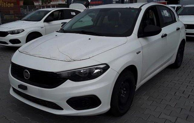 Fiat Tipo - ANDERE HB Pop 1.4 95PS Klima/PDC 70.00 kW (95 PS)...