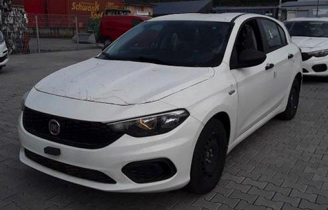 Fiat Tipo - ANDERE HB Pop 1.4 95PS Klima/PDC 70 kW (95 PS), S...
