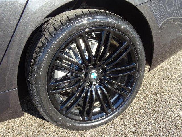BMW 5er - 520d xDrive Touring AHK M-Sport Innovation Business