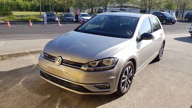 Volkswagen Golf - VII 1.5 TSI BlueMotion IQ.Drive Navi Standhzg