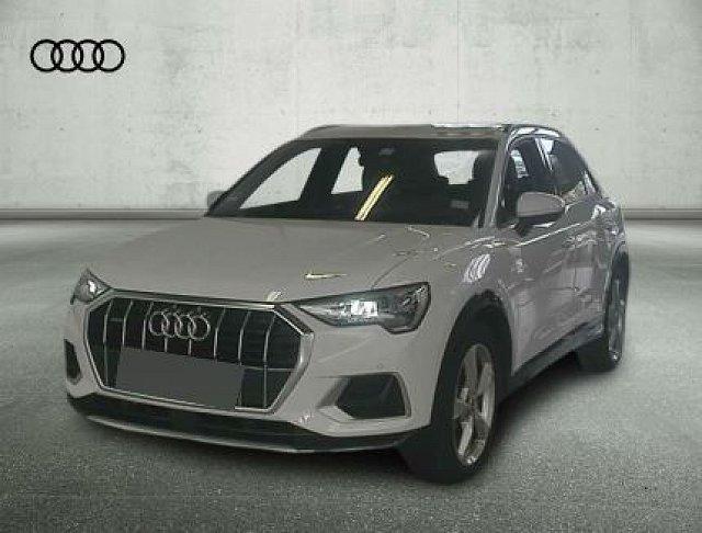 Audi Q3 - 45 TFSI quattro S tronic Advanced Navi/AHK/Mult