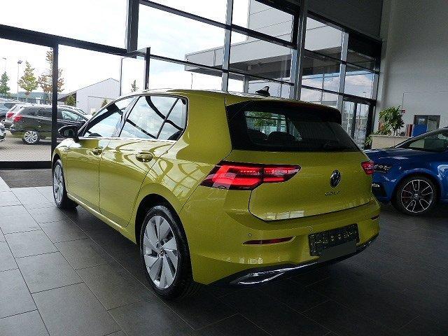 Volkswagen Golf - 8 VIII 2.0TDI DSG Alcantara Ergo Navi IQ.Light Matrix-LED uvm